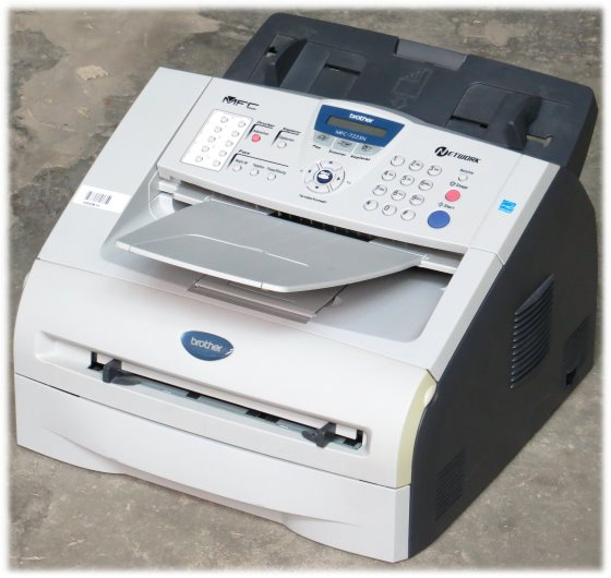 Brother MFC-7225N All-in-One FAX ADF unter 2.000 Seiten Kopierer LAN Laserdrucker