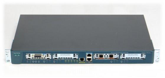Cisco 1760 Modular Access Router im 19 Zoll Rack mit WIC 1T und 1x VIC 2B-NT/TE