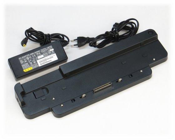 Fujitsu FPCPR120 Dockingstation für Lifebook E782 S782 E752 S752 S710 mit Netzteil