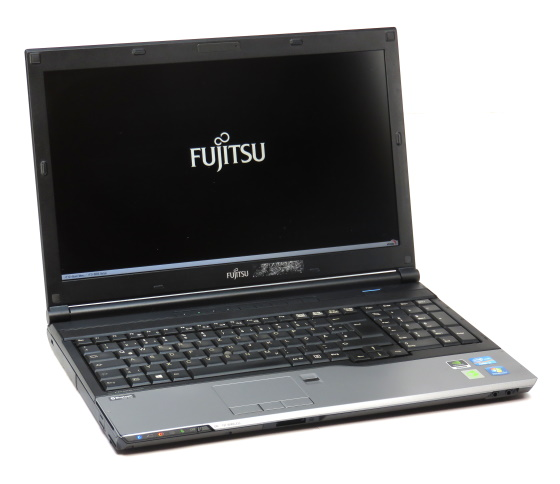 """15,6"""" Fujitsu Lifebook H720 Quad Core i7 3610QM @ 2,3GHz 8GB 256GB SSD UMTS HD"""