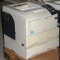 Kyocera FS-4000DTN 45 ppm 128MB Duplex LAN Laserdrucker mit 2.PF vergilbt B-Ware