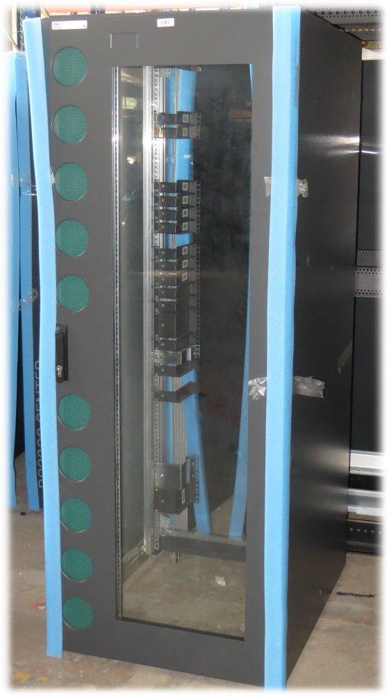 NoName 38HE Serverschrank Glastür ohne Schlüssel