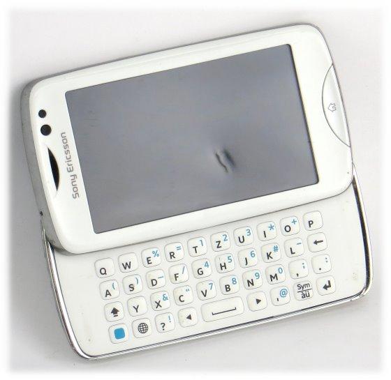 Sony Ericsson txt pro Smartphone CK15i mit QWERTZ-Tastatur defekt an Bastler