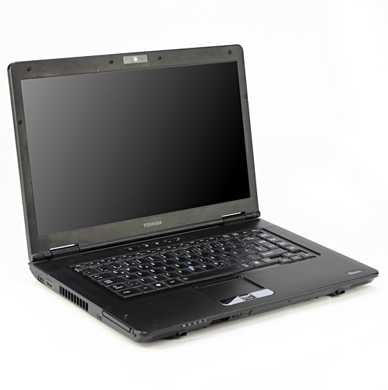 Toshiba Tecra S11-13M Core i5 520M @ 2,4GHz 4GB DVD±RW ohne HDD/BIOS PW B-Ware