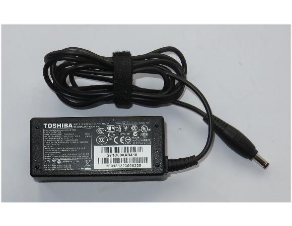 Original Toshiba Netzteil PA3822U-1ACA 45W 19V 2,37A für Satellite Z830 Z930