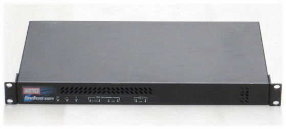 Atto FibreBridge 6500N Storage Controller 2x FC 8Gb 2x SAS im 19 Zoll Rack