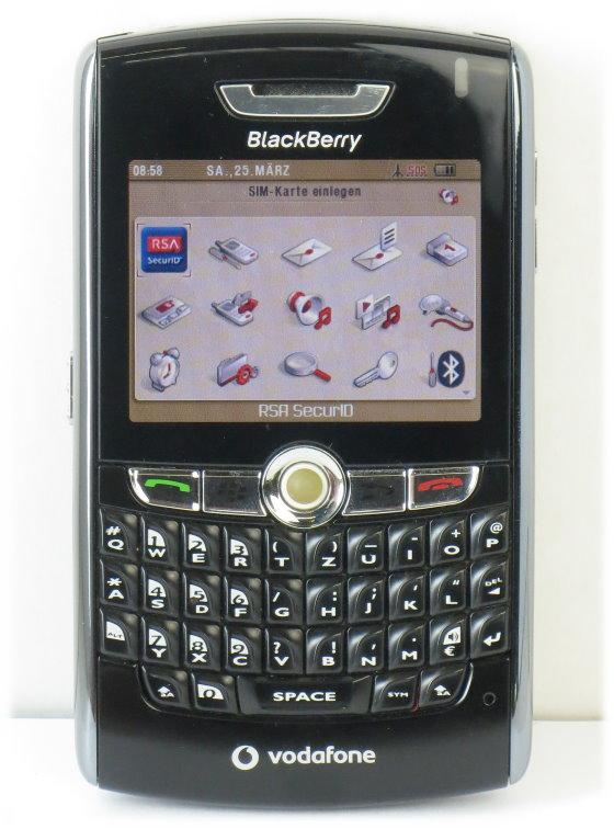 Blackberry 8800 Handy schwarz mit Tastatur QWERTZ B- Ware ohne Akku