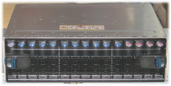 EMC² KTN-STL4 Data Storage 2x 450GB + 11x 300GB 15K FC im 19 Zoll Rack