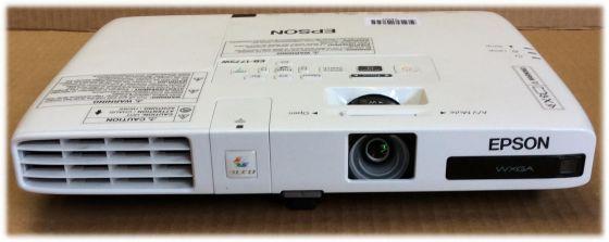 Epson EB-1776W LCD Beamer HDMI 3000 ANSI 2000:1 Lampe <750Std ohne Fernbedienung