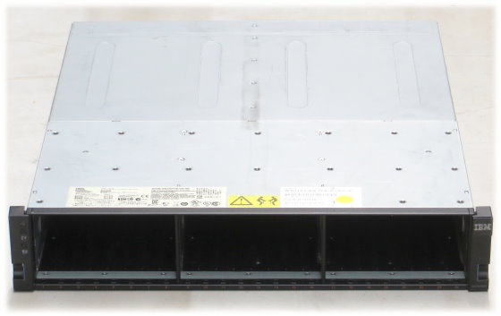 "IBM EXP2524 Data Storage 24x 2,5"" LFF SAS mit ESM 45W7656"