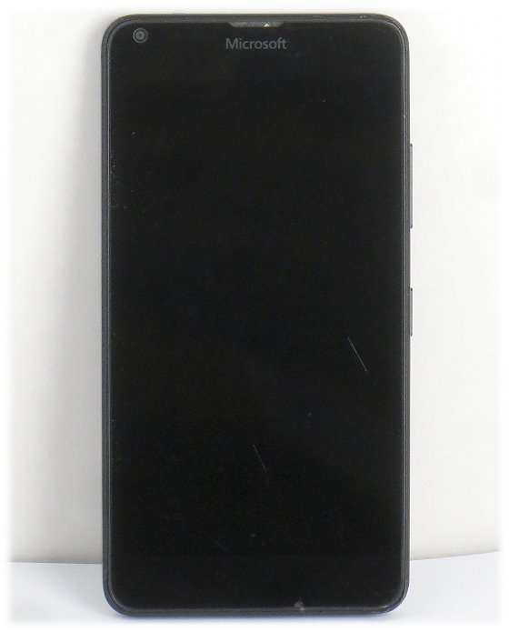 Microsoft Lumia 640 LTE B- Ware Kratzer Gehäuseschäden ohne Akku/Ladegerät