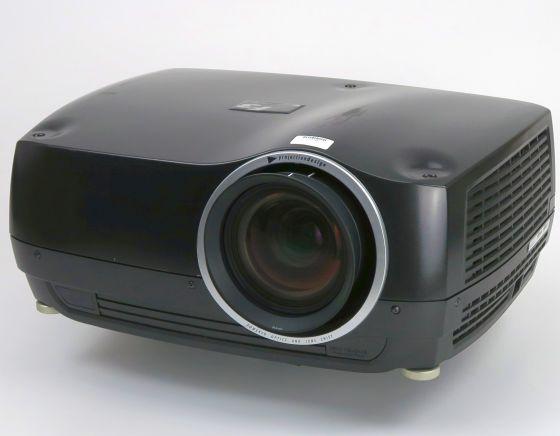 ProjectionDesign F3 SX+ DLP Beamer 5500ANSI/LU Lampen unter 750Stunden