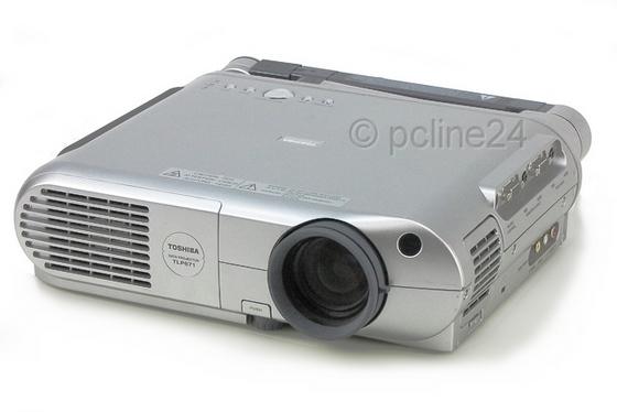 Toshiba TLP671 LCD Beamer ANSI/LU 1300 400:1 Lampe unter 1250 Stunden B-Ware