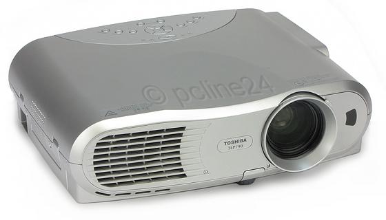 Toshiba TLP790 LCD Beamer 3000 ANSI/LU 400:1 Lampe unter 1000 Stunden