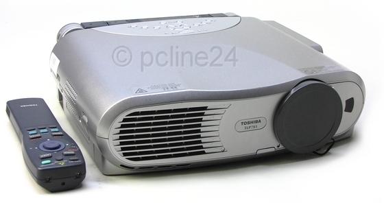 Toshiba TLP781 LCD Beamer Projektor 2000 ANSI/LU XGA mit Kamera B-Ware